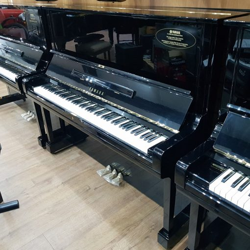 Used Yamaha U3 for sale, in a black polyester case